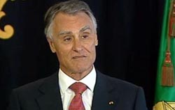 """Cavaco invoca """"interesse nacional"""" no congelamento das pensões antecipadas"""