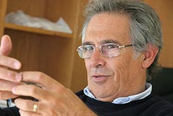 Sobrinho Simões eleito o patologista mais influente do mundo