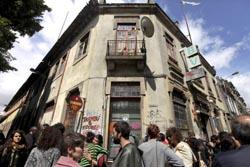 Grupo de jovens ocupou antigo quartel dos Bombeiros Portuenses