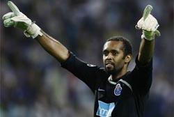 Helton renovou com o FC Porto até 2014