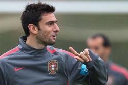 Paulo Bento confirma titularidade de Postiga