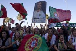 Centenas de adeptos receberam a seleção portuguesa