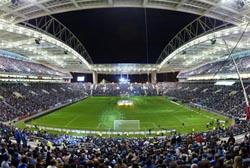 FC Porto segue para Prangins com 24 jogadores