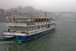 Barcos-hotel são a aposta da Douro Azul em 2013