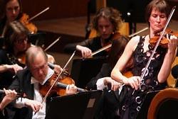 Fundação Orquestra Estúdio atua com a violinista Viktoria Mullova