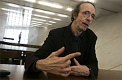 António Pacheco diz que corpo de Emmanuel Nunes devia ficar no Panteão Nacional