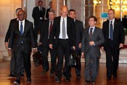 Relatório do FMI propõe mais cortes e austeridade