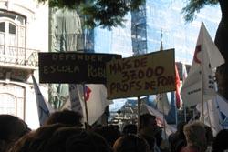 FENPROF em protesto nos centros de emprego