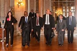 Troika regressa a Portugal em julho