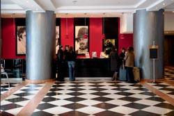 """Associação dos Hotéis preocupada com queda """"abrupta"""" dos preços"""
