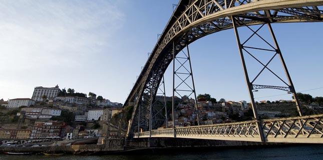 STCP: Linhas que ligam Porto a Gaia com novos percursos