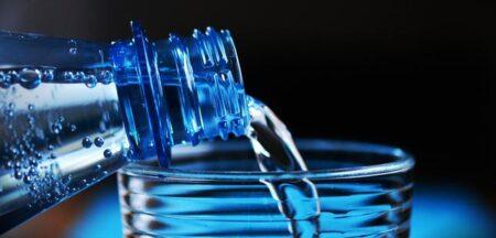 Novo projeto do São João distribui água engarrafada pelos doentes internados