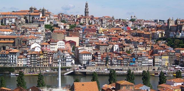 Escavações no centro histórico do Porto descobrem ossadas de 13 soldados franceses