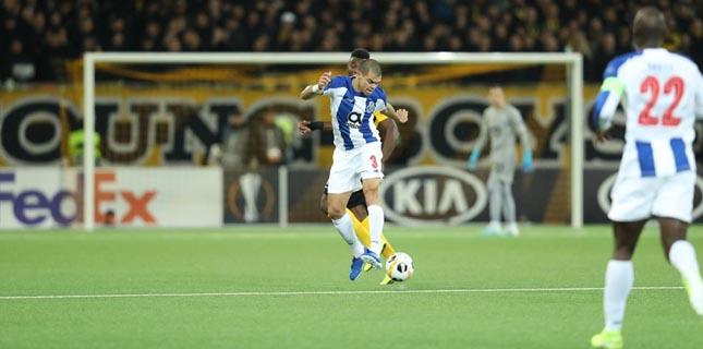 FC Porto vence o Young Boys por 2-1