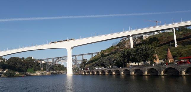 Porto e Gaia querem criar agrupamento de entidades adjudicantes para o projeto da nova ponte sobre o Douro