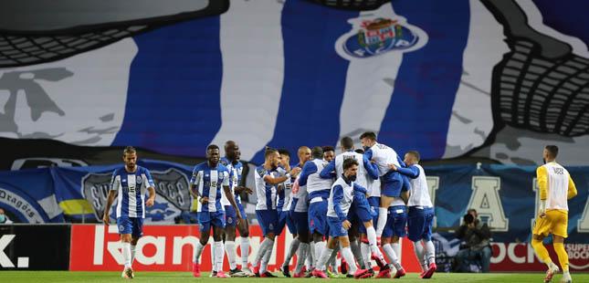 FC Porto vence Marítimo e torna-se líder isolado do campeonato
