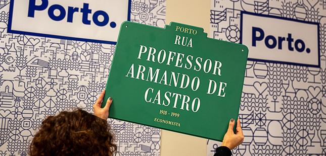 Câmara do Porto vende antigas placas toponímicas da cidade