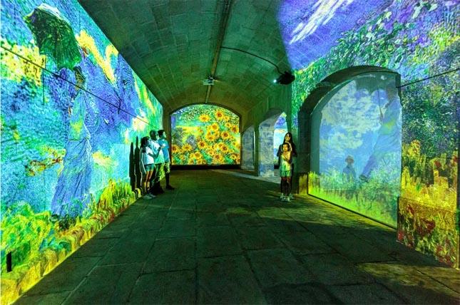 Está a chegar ao Porto uma exposição imersiva com obras de Monet e Klimt