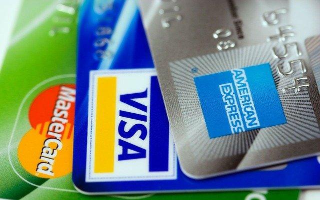 5 Principais Cartões de Débito que Suportam Pagamentos com Criptomoedas na UE