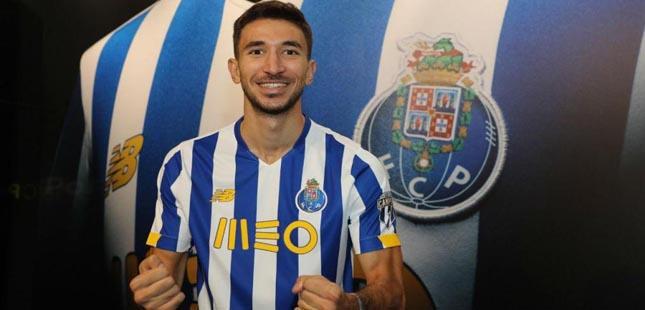 Marko Grujic já veste azul e branco