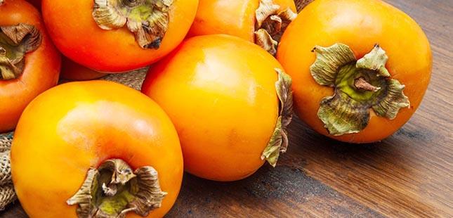 Dióspiros. Conheça os benefícios deste fruto