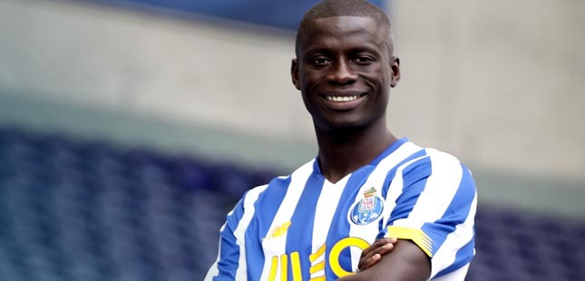 Mor Ndiaye renova com FC Porto até 2025