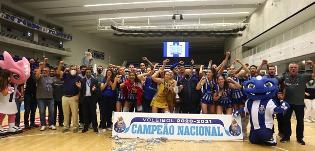 AJM/FC Porto é campeã nacional de voleibol