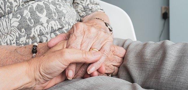 Estudo revela que seis em cada dez cuidadores informais não sabem que têm direito a um estatuto