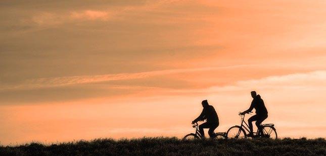 Como evitar lesões quando anda de bicicleta