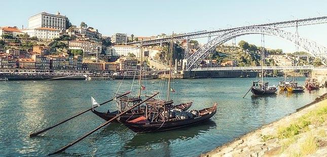 Portugueses vão passar férias de verão em Portugal