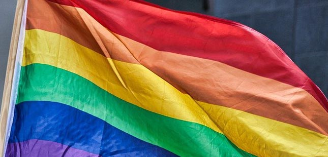 Matosinhos e Gaia hasteiam bandeiras LGBTI