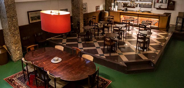 Café Ceuta volta a abrir portas